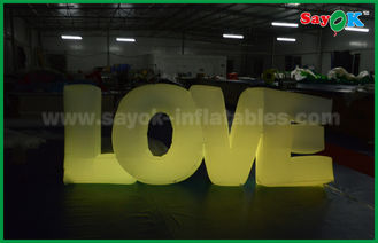 中国 ロマンチックで膨脹可能な照明装飾、LEDライトが付いている膨脹可能なラブ レター サプライヤー