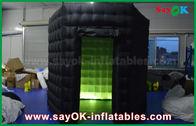中国 LEDライト オックスフォードの布が付いている1つのドア2.5mの注文の黒く/白く膨脹可能な写真ブース 工場