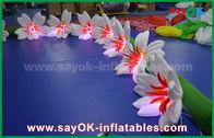 中国 8mの結婚のための長いナイロン膨脹可能な照明装飾ユリの花シェ 工場